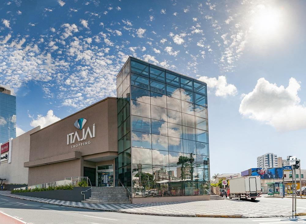 Itajaí Shopping funcionará com horário diferenciado no feriado
