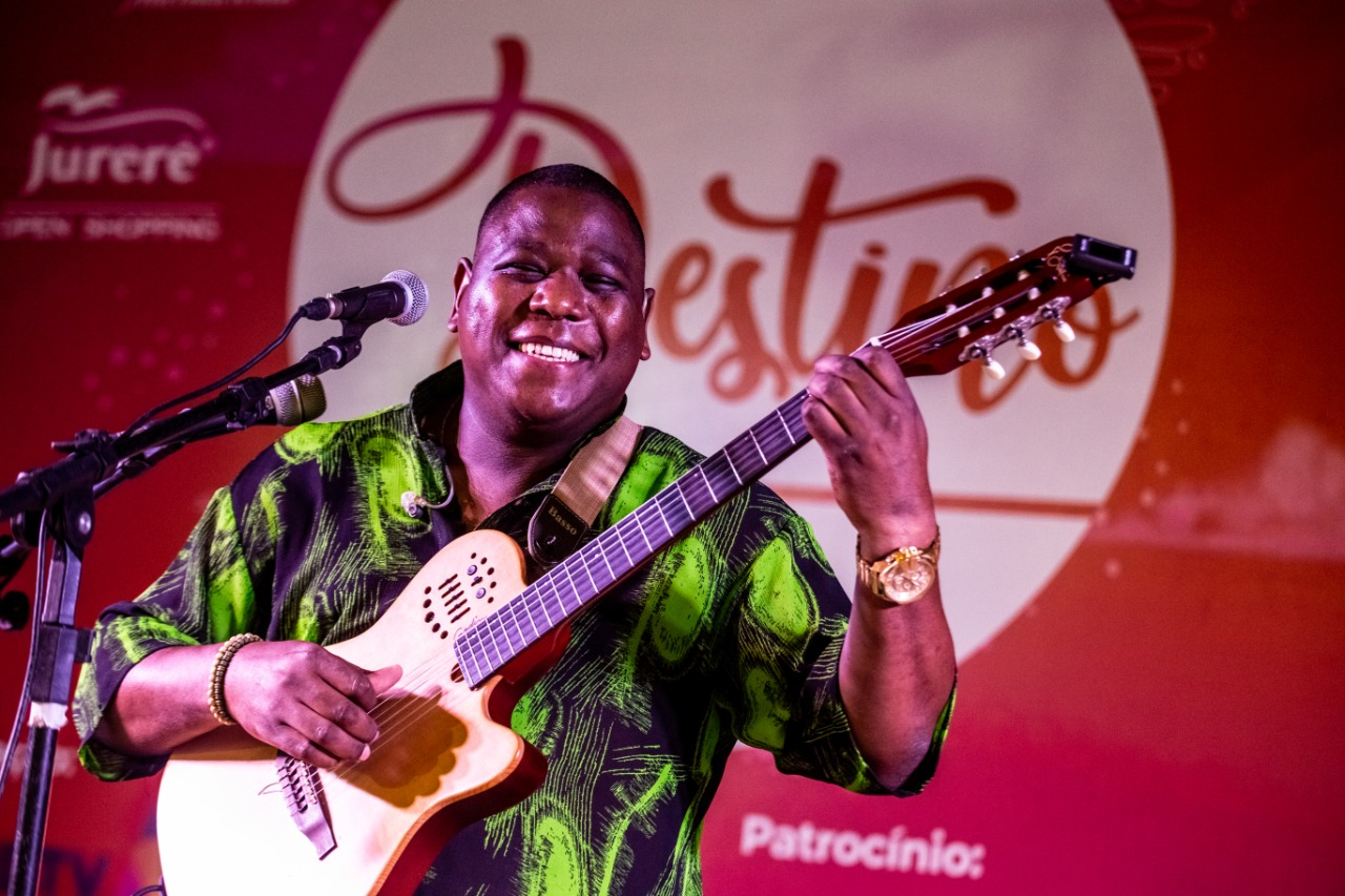Jurerê Internacional comemora 40 anos e presenteia a cidade com música, arte e cultura