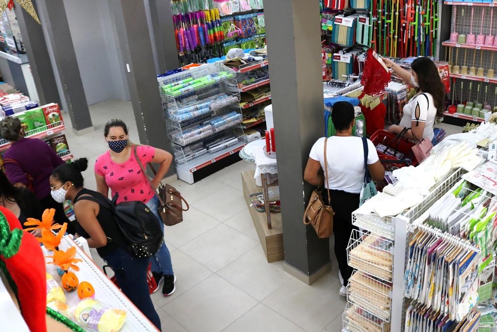 Governo de SC autoriza parcelamento do ICMS de dezembro para o comércio varejista