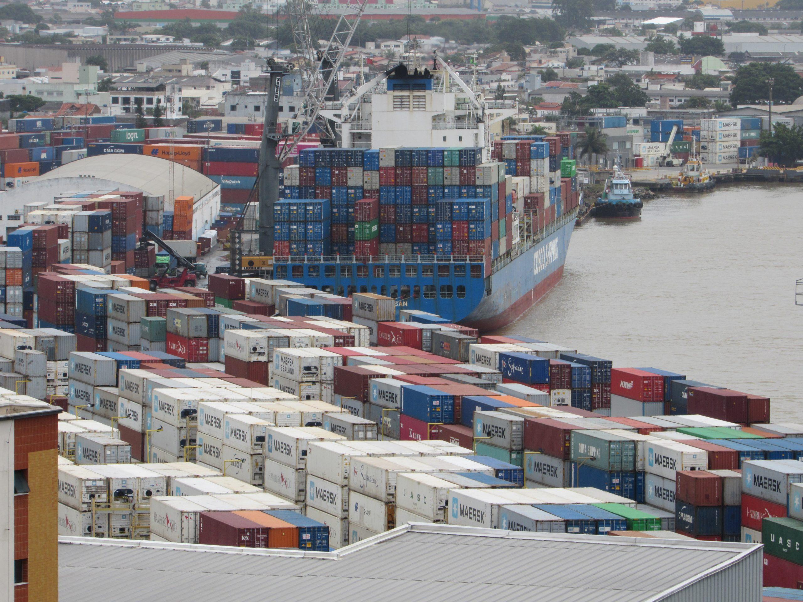 Portuário de Itajaí registra maior movimentação de cargas da história