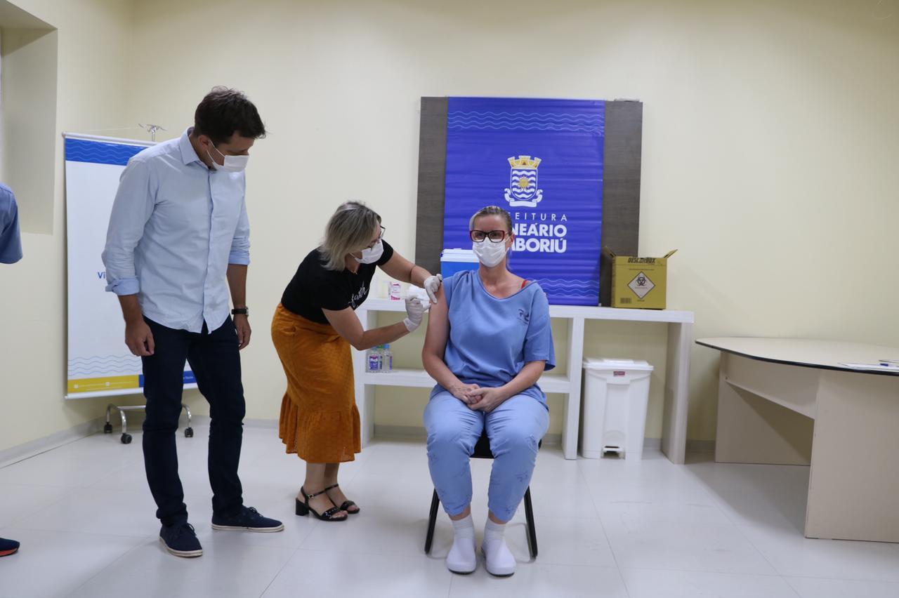 Balneário Camboriú inicia vacinação contra a Covid-19