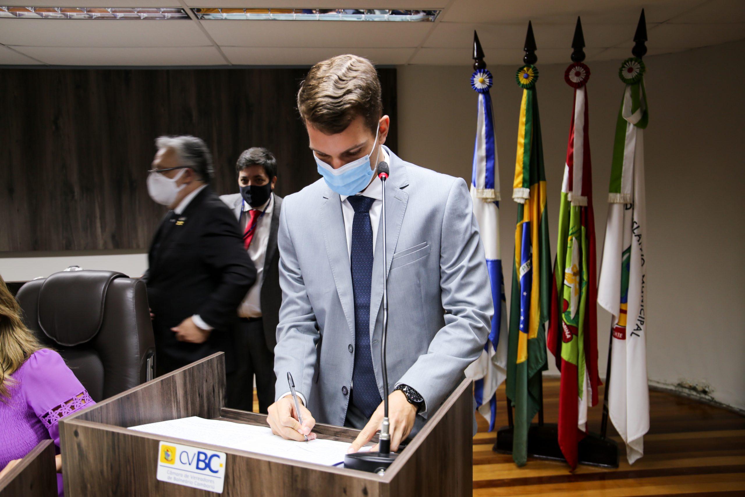 Vereador Victor Forte quer priorizar pessoas com deficiência física e mental durante vacinação