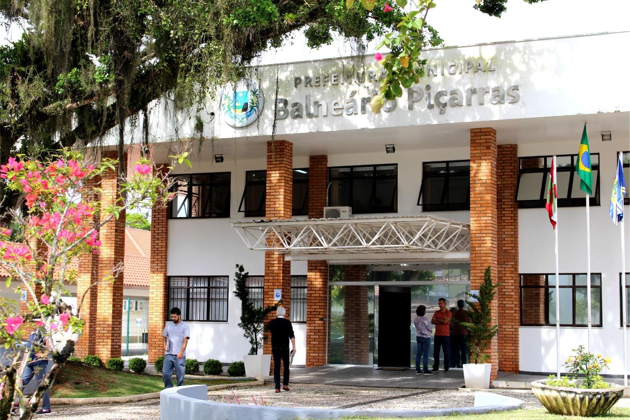 Administração Municipal de Balneário Piçarras proíbe reajuste da taxa de lixo