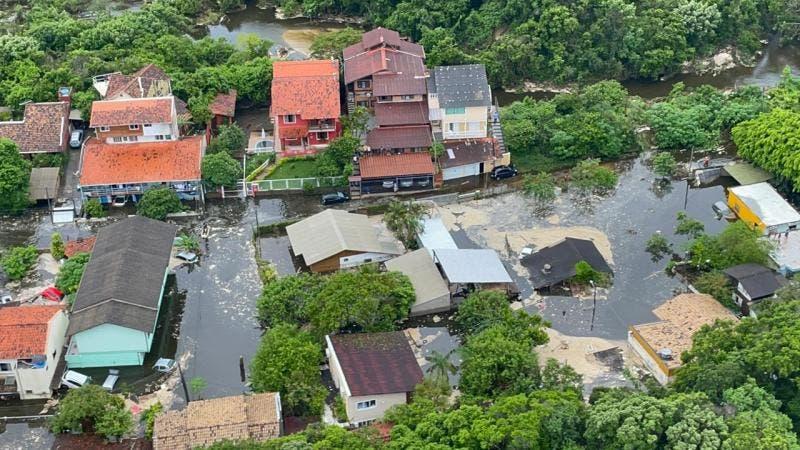 Após chuvas, Prefeitura intensifica serviços para atender população