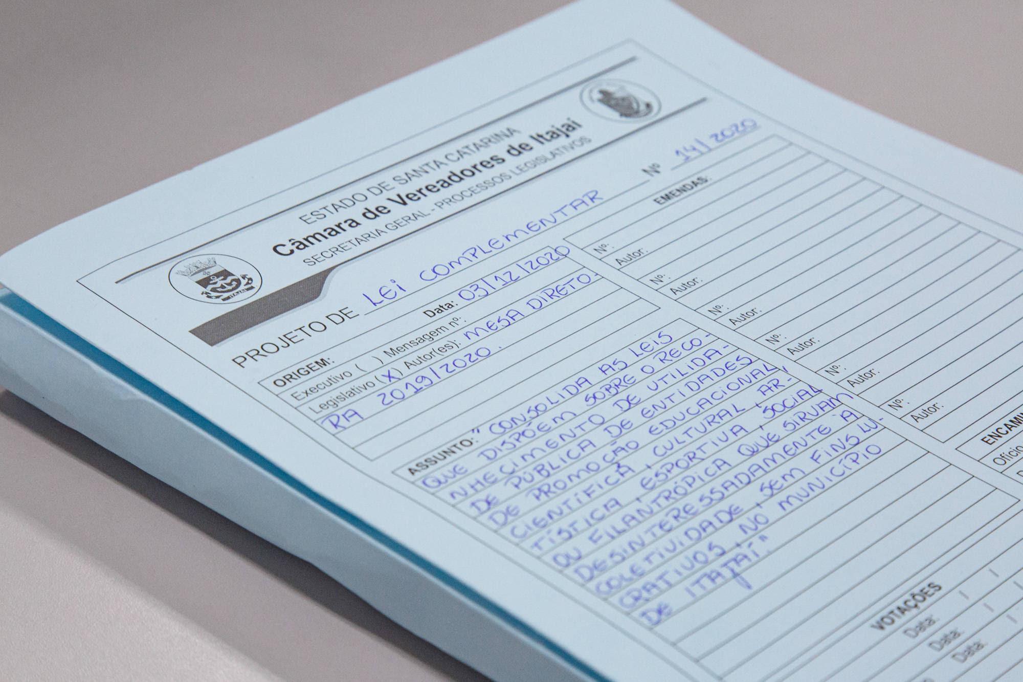 Câmara de Itajaí discutiu e votou até 150 vezes mais leis que a média do Congresso Nacional