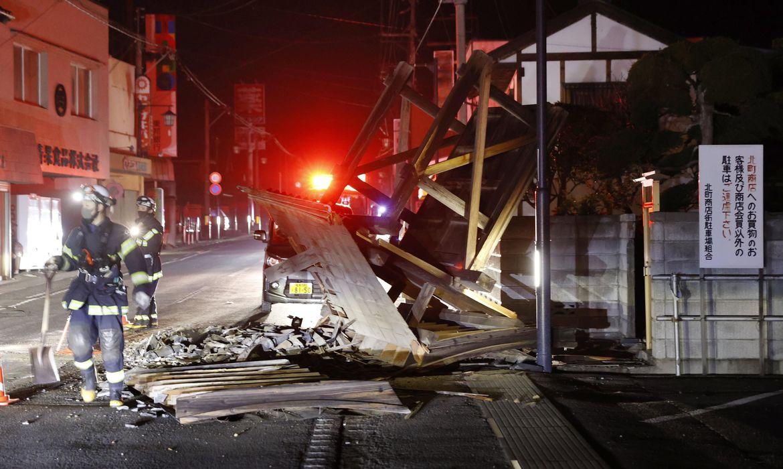 Forte tremor atinge costa leste do Japão e causa blecautes
