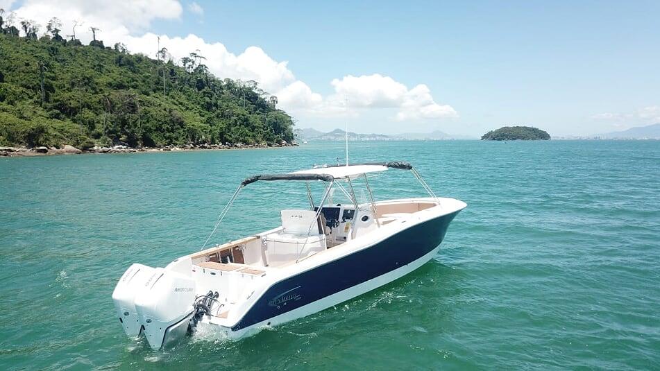 Versão 2021 do barco Fishing 320 CC é lançada no mercado brasileiro