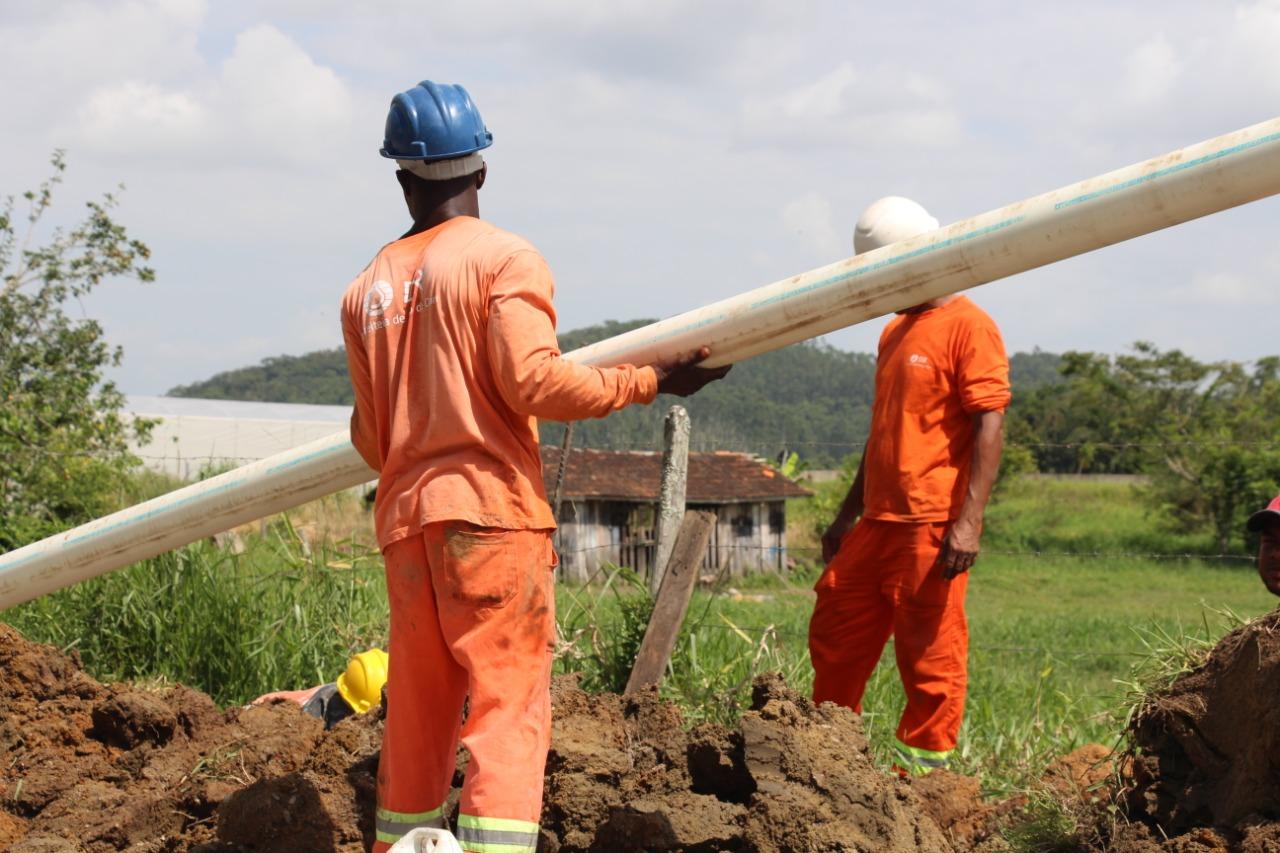 Rede de água tratada pelo Semasa é implantada na área rural de Itajaí
