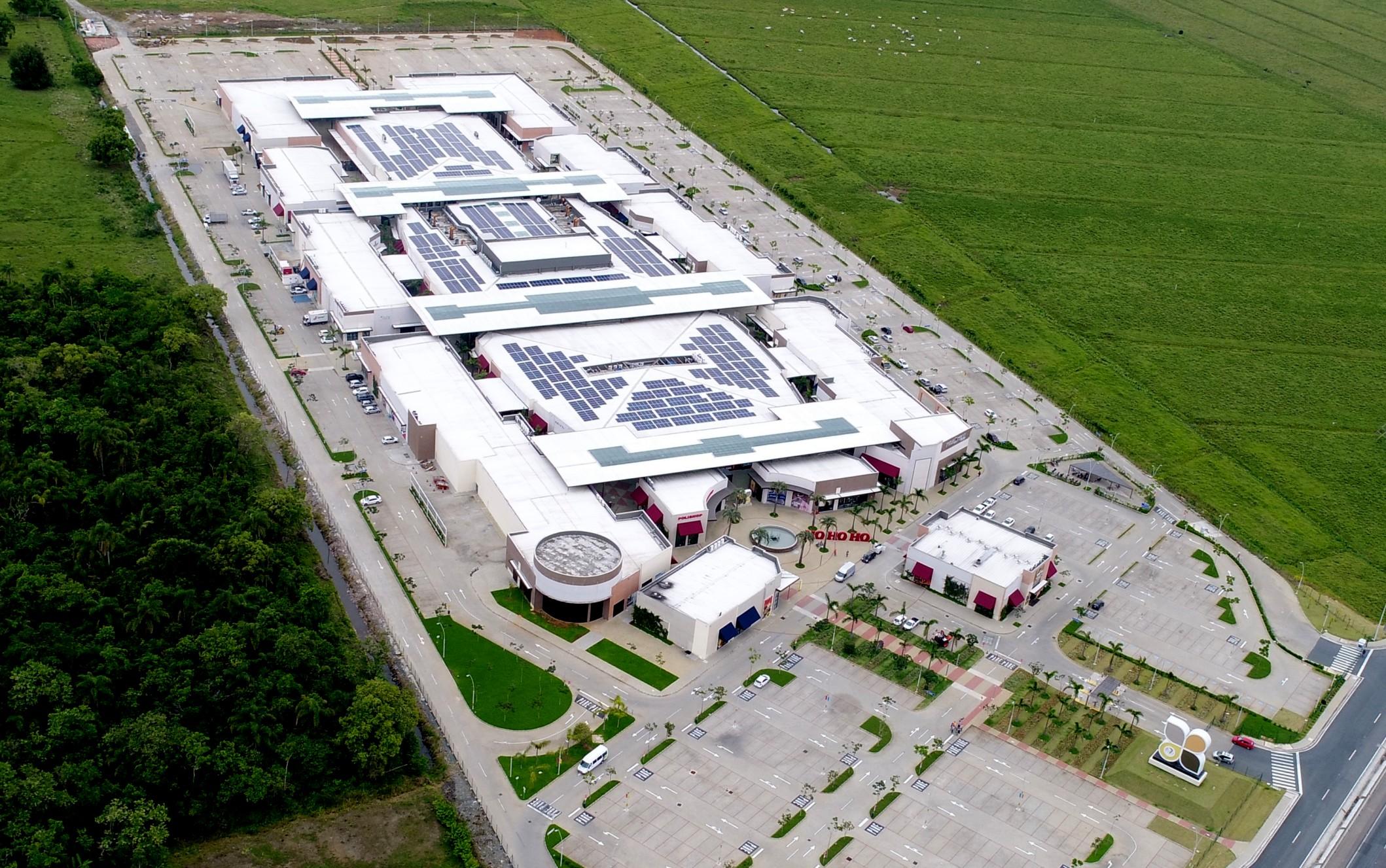 Uso de energia solar completa dois anos no Porto Belo Outlet e evita emissão de 204 toneladas de gás carbônico