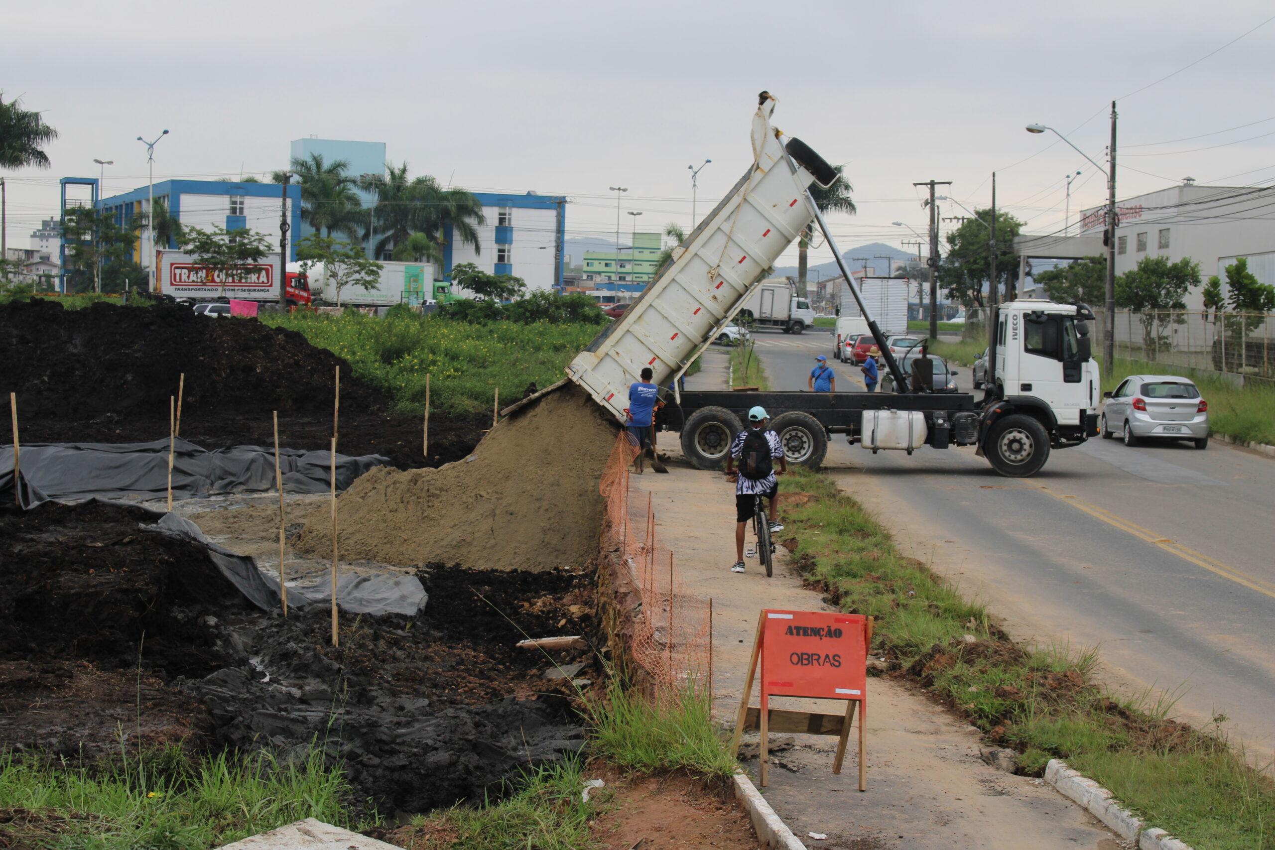 Itajaí: Iniciada a construção da alça viária, melhoria faz parte da reurbanização da avenida Campos Novos