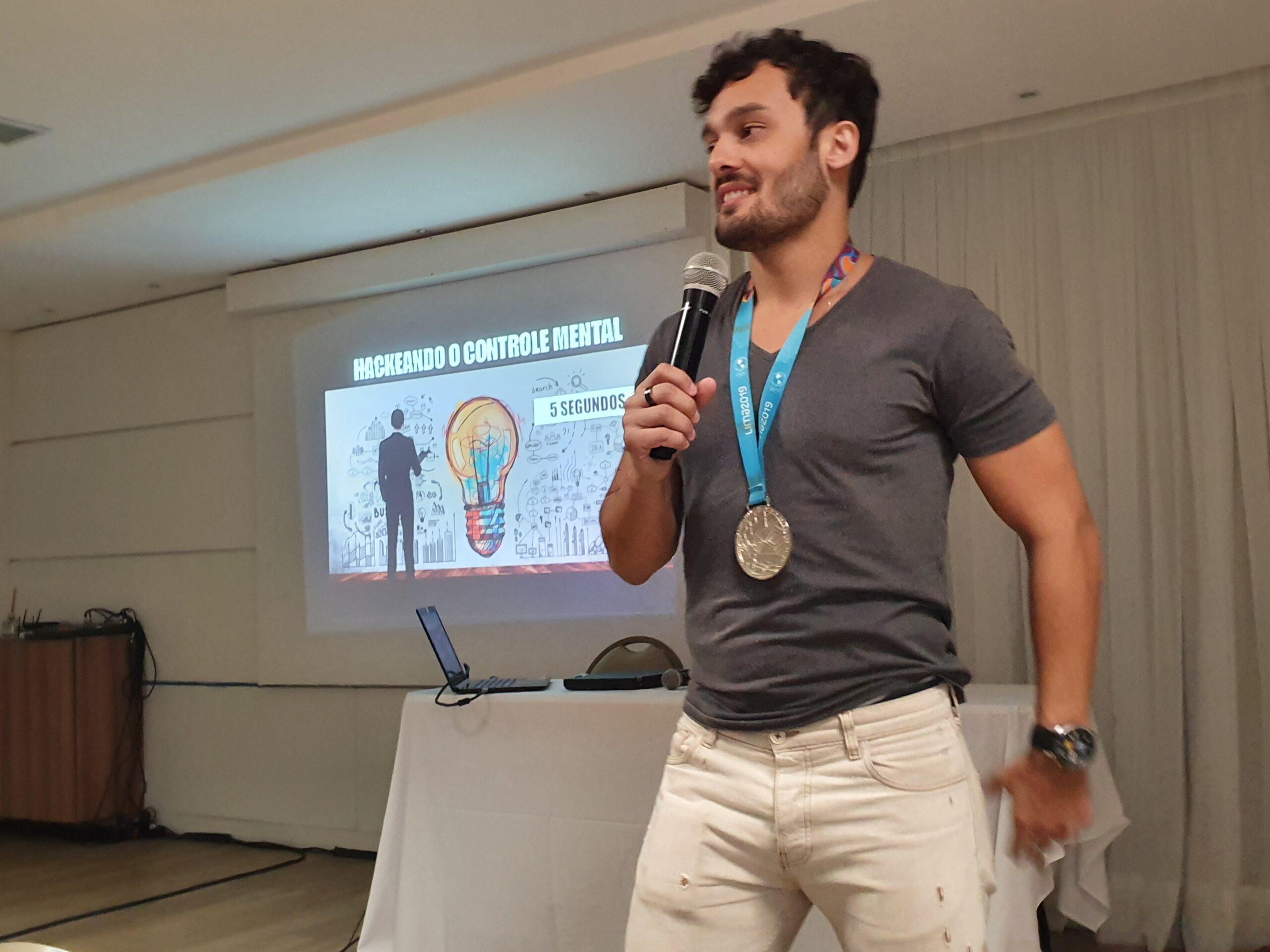 Marcelo Suartz, palestrante, mentor, hipnoterapeuta e atleta de Alta Performance
