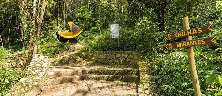 RedeTrilhas aprova a adesão da primeira trilha: a Transcarioca, no Rio de Janeiro, passou em múltiplos critérios como ter um sistema de sinalização internacionalmente testado