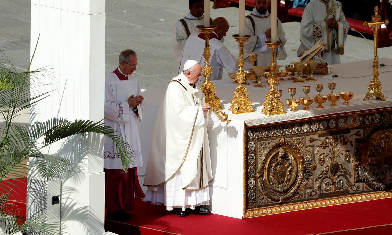 Vaticano afirma: Igreja Católica não pode abençoar uniões homossexuais