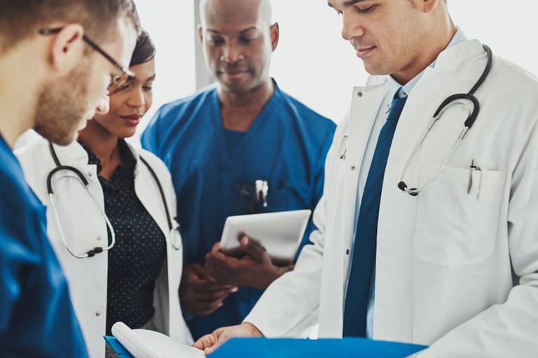Lançado edital do Mais Médicos com 3 mil vagas em todo o país: municípios devem manifestar interesse nas vagas até o próximo dia 15