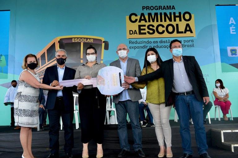 Mato Grosso do Sul recebe 168 ônibus para renovar frota escolar