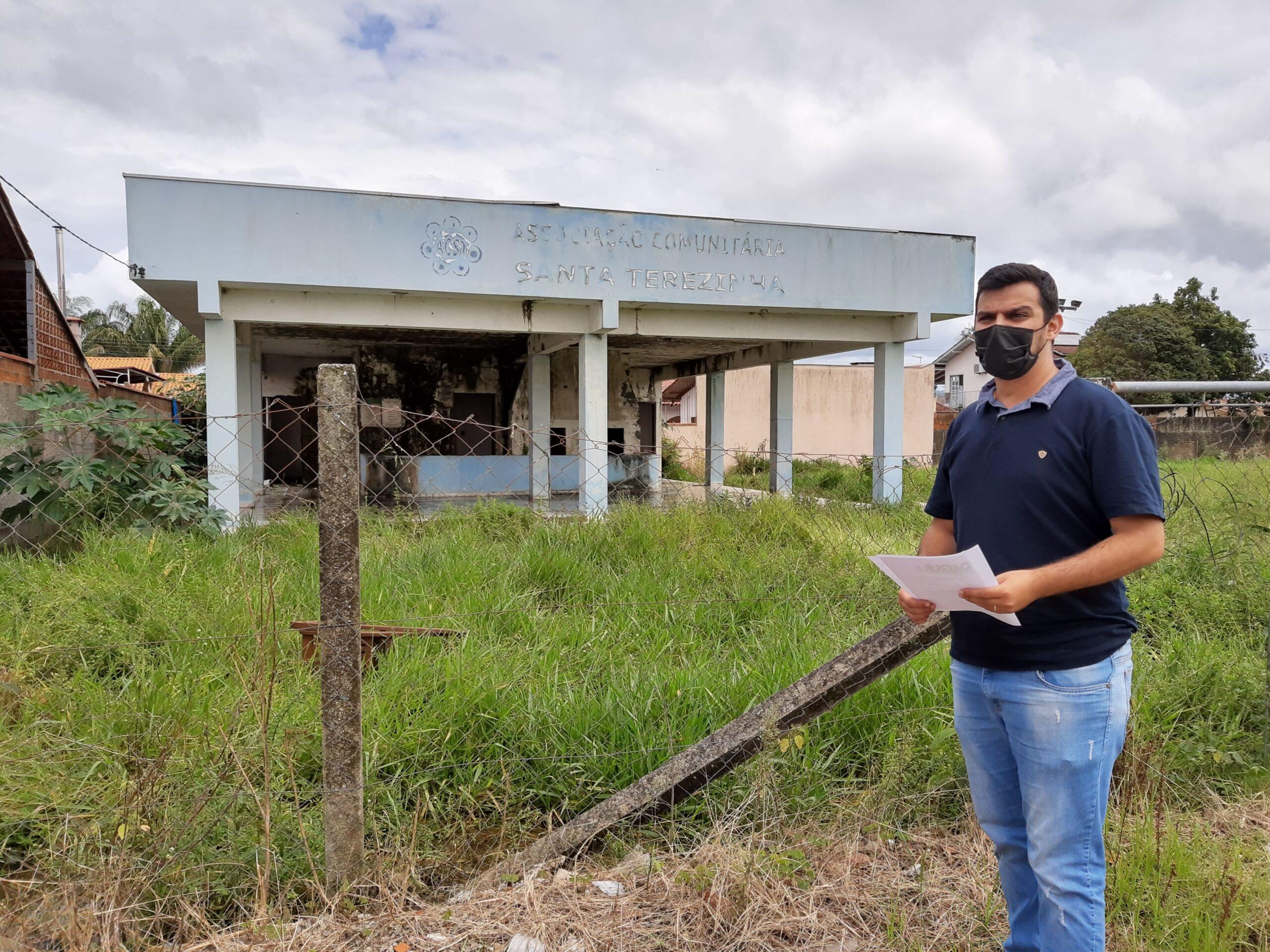 Vereador pede informações sobre área da Associação Comunitária Santa Terezinha