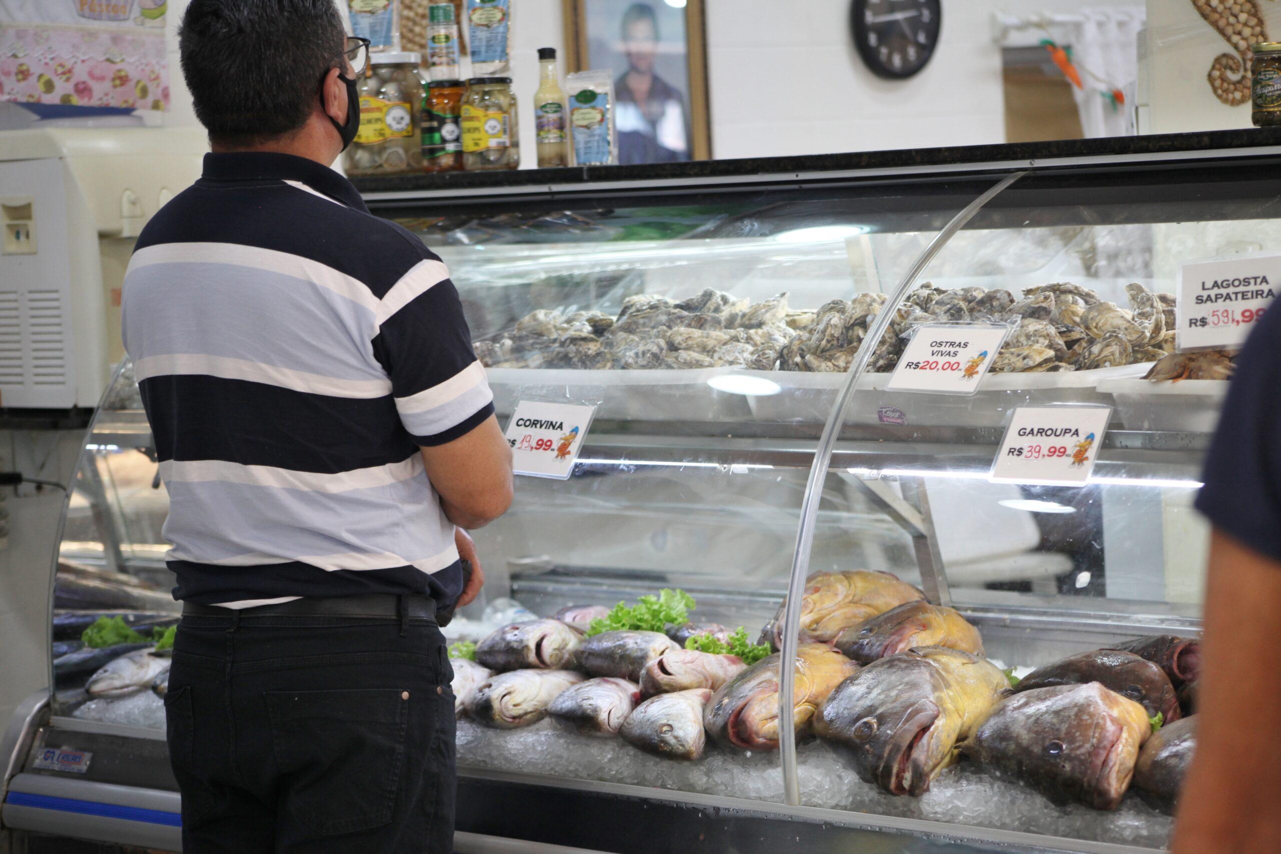 Procon de Itajaí realiza pesquisa de preço dos pescados para a Semana Santa