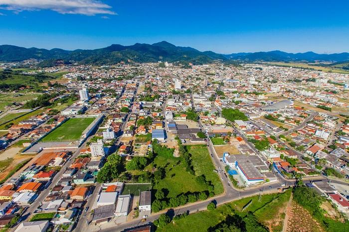 Aniversário: Prefeitura de Camboriú terá ponto facultativo na quinta e feriado municipal na segunda-feira