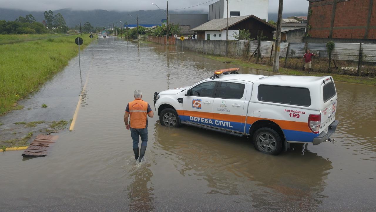 Defesa Civil e Obras atuam no atendimento de ocorrências causadas pelas chuvas