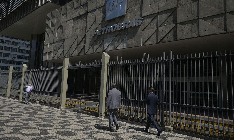 Petrobras analisa em abril indicação de Joaquim Luna à presidência