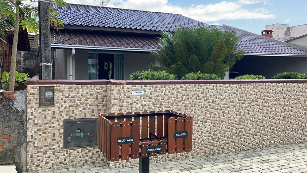 Fundema instala 136 lixeiras de separação domiciliar no bairro Itacolomi
