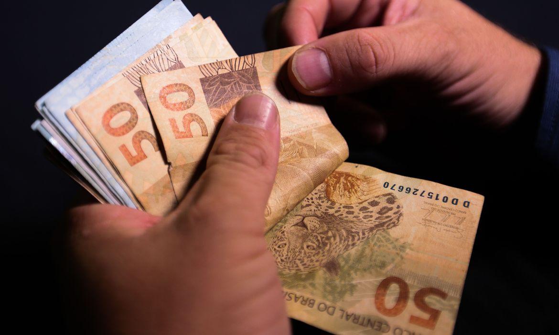Bolsa família começa a ser pago hoje a 14 milhões de famílias