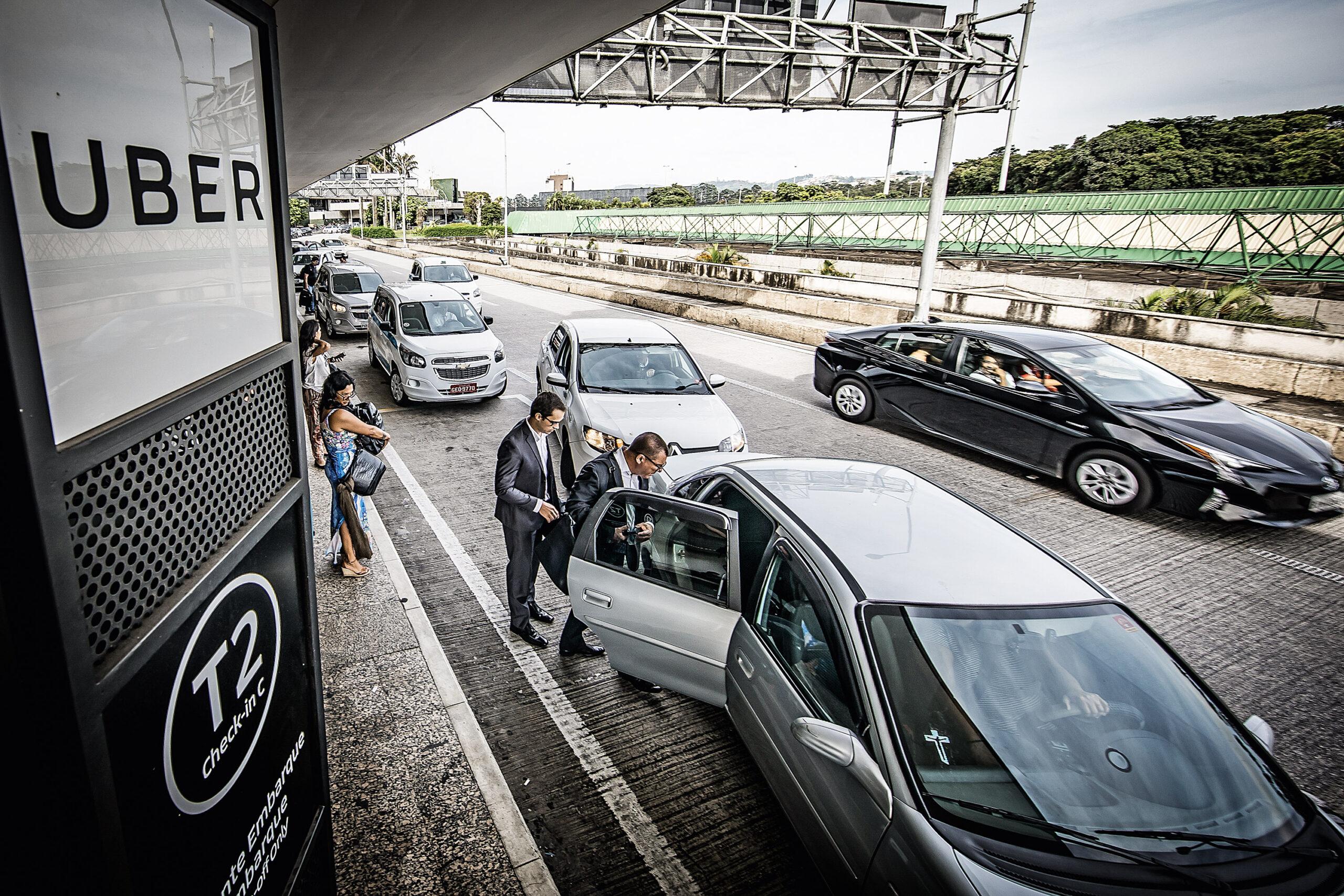 Vagas de estacionamento: existem vagas  para taxistas e para motoristas de aplicativos?