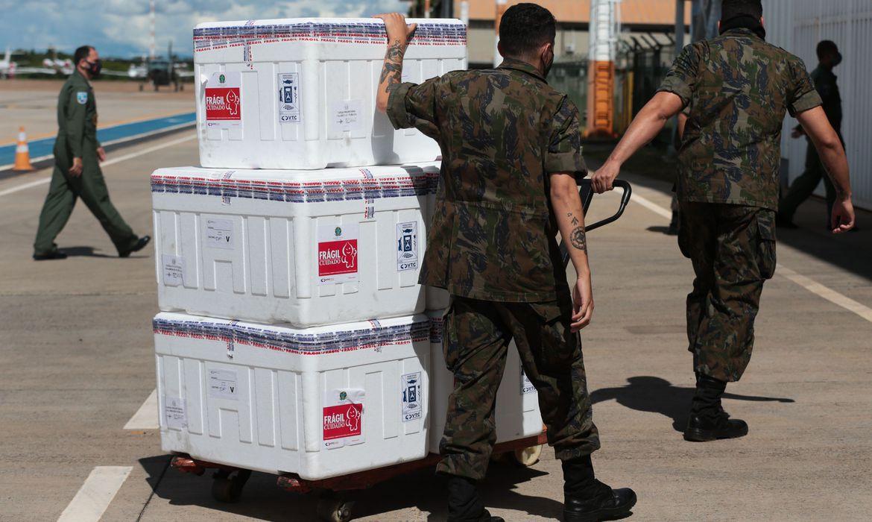 Governo inicia hoje distribuição de mais 5 milhões de doses de vacina: Entrega de imunizantes começa hoje e deve se estender até domingo