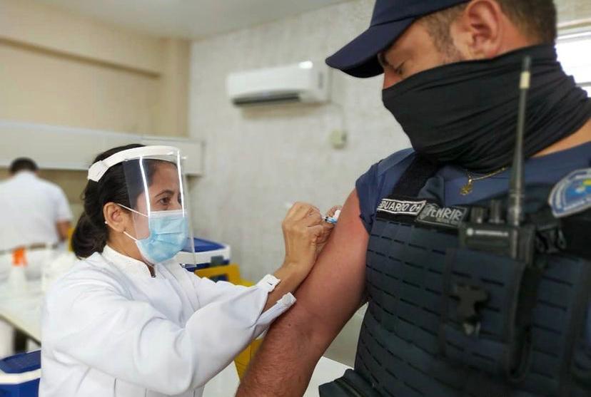 Forças policiais começam a ser vacinados nesta sexta-feira em Florianópolis