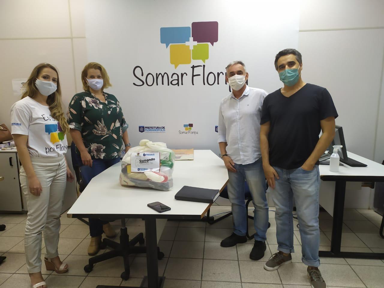 Fome tem Pressa: Fundação Somar doa 150 cestas básicas para artistas autônomos de Florianópolis