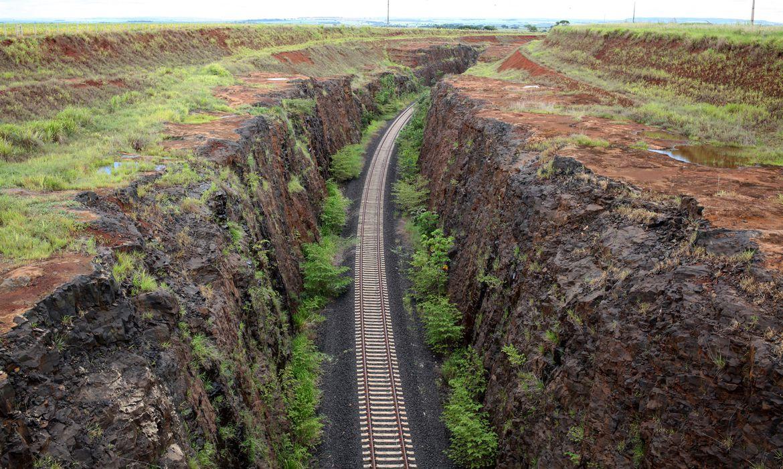 Governo leiloa hoje trecho de ferrovia na Bahia: concessão vai destravar projeto fundamental para a logística no estado