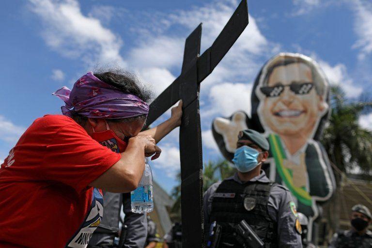 Brasil 400 mil mortes pela covid-19: CPI da Covid começa com 'arsenal' que ameaça governo Bolsonaro