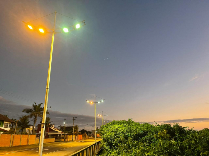 Navegantes Iluminada: Orla da Praia recebe manutenção de Iluminação Pública