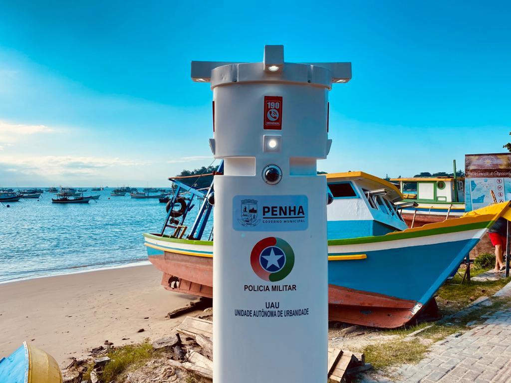Segurança Pública: Totem de Reconhecimento Facial é instalado na Praia do Trapiche pela Prefeitura de Penha