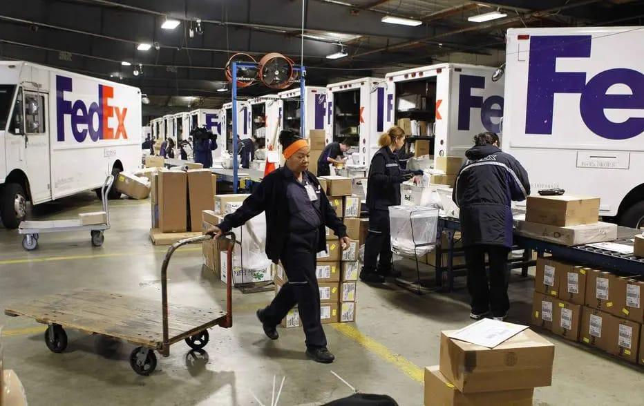 Ataque em prédio da FedEx: atirador mata 8 pessoas e tira a própria vida em Indianápolis