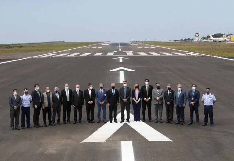 Inauguradas obras que ampliam pista de pouso e decolagem no aeroporto: benfeitorias ajudarão a atrair mais turistas e voos internacionais sem escala para a região