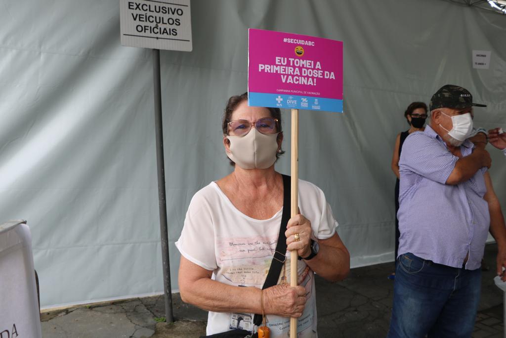 Balneário Camboriú: hoje foram vacinadas 433 pessoas contra Covid-19