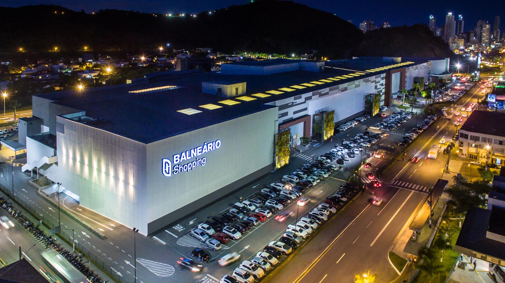 Balneário Shopping funciona em horário normal no feriado de Tiradentes