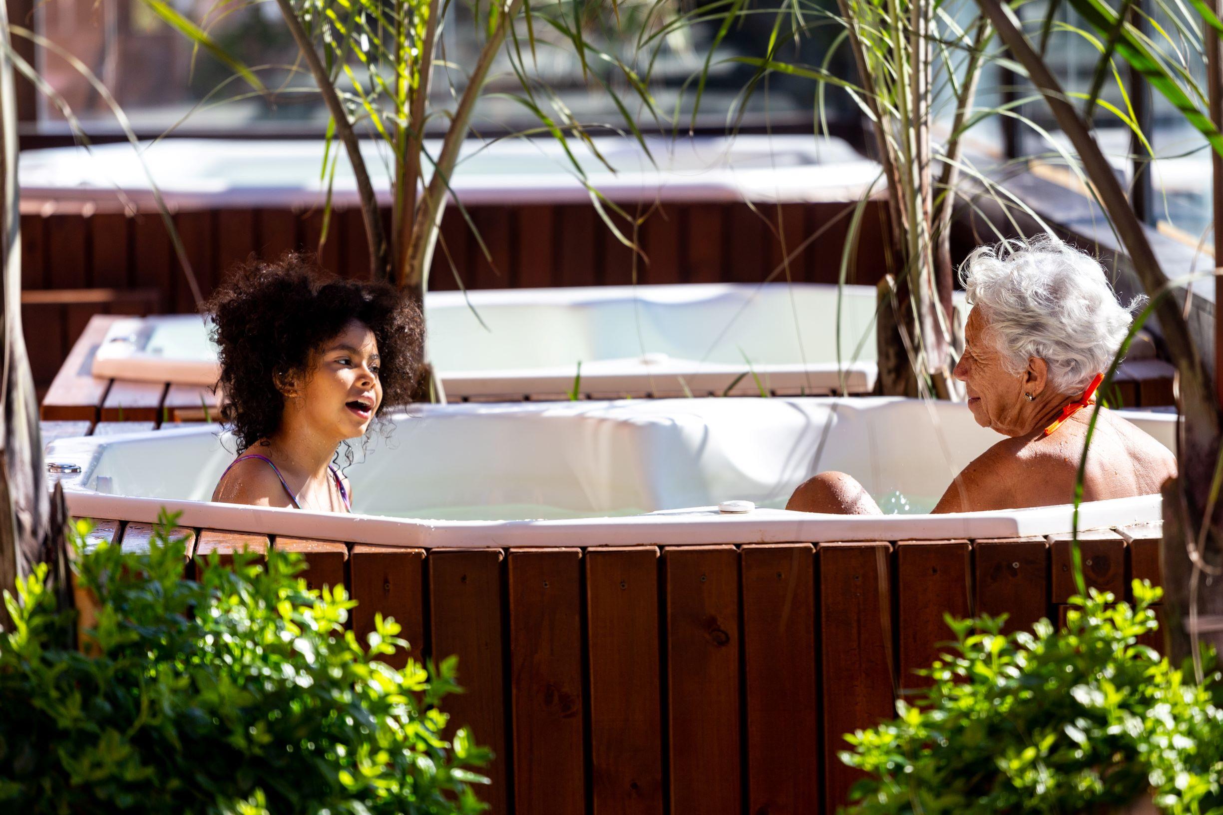 Super PROMOÇÃO: Hotel Jurerê Beach Village presenteia com hospedagem cortesia no Dia da Mães