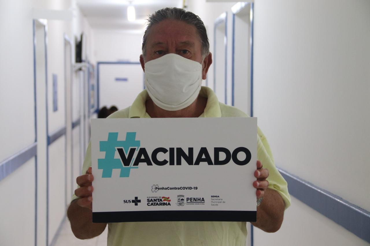 Prefeitura de Penha inicia vacinação contra Covid-19 de idosos a cima de 65 anos