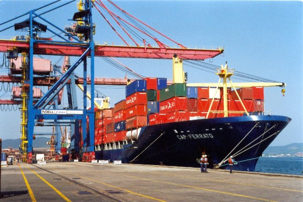 Economia: Leilão de cinco terminais portuários prevê investimentos de R$ 612 milhões