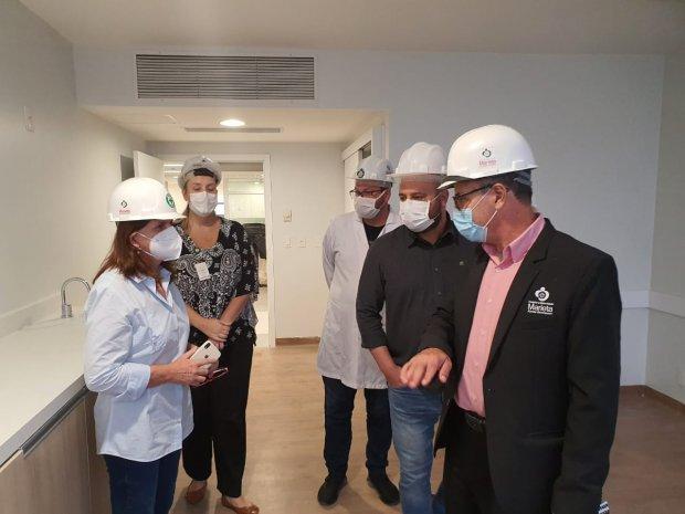 Secretária da Saúde acompanha ações para ampliação de leitos de UTI em Itajaí