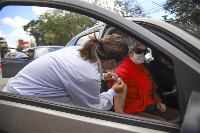 Balneário Camboriú vacinará nesta sexta-feira em drive-thru