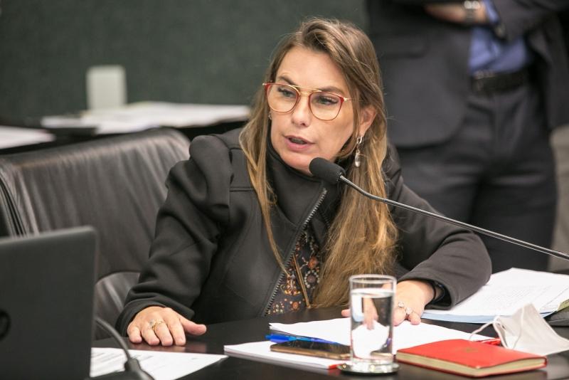 Lagoa da Conceição: Deputada Paulinha pede celeridade aos pleitos dos moradores da Lagoa da Conceição que foram atingidos pelo rompimento da barragem da Casan