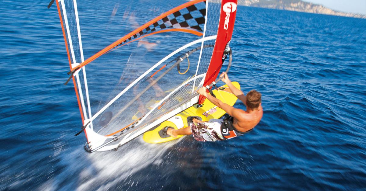 Regata de Windsurf: Secretarias de Esportes e Turismo retomam realização do 1º Windfest