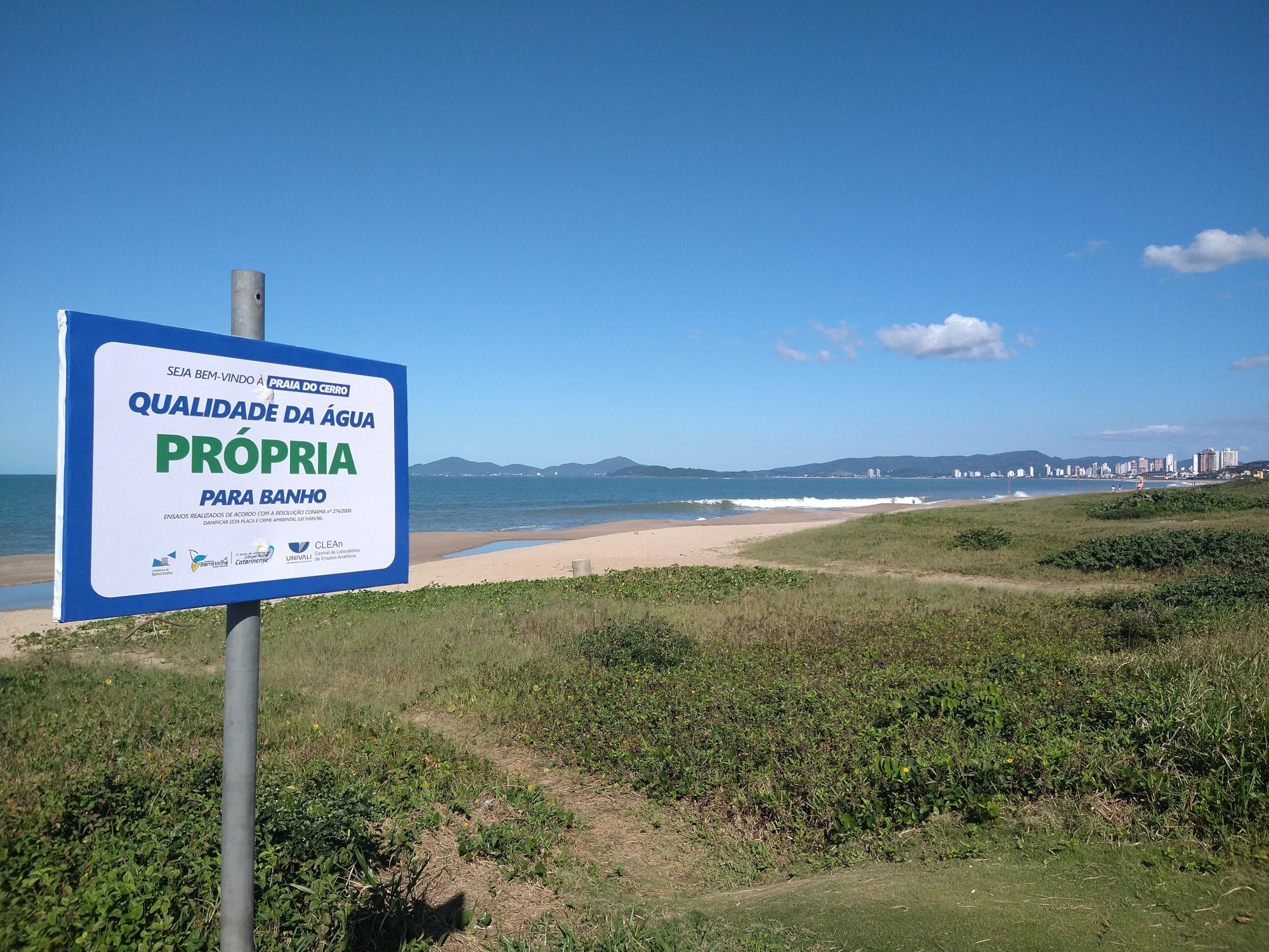 Bandeira Azul: Univali atesta balneabilidade de excelência na Praia do Cerro em Barra Velha