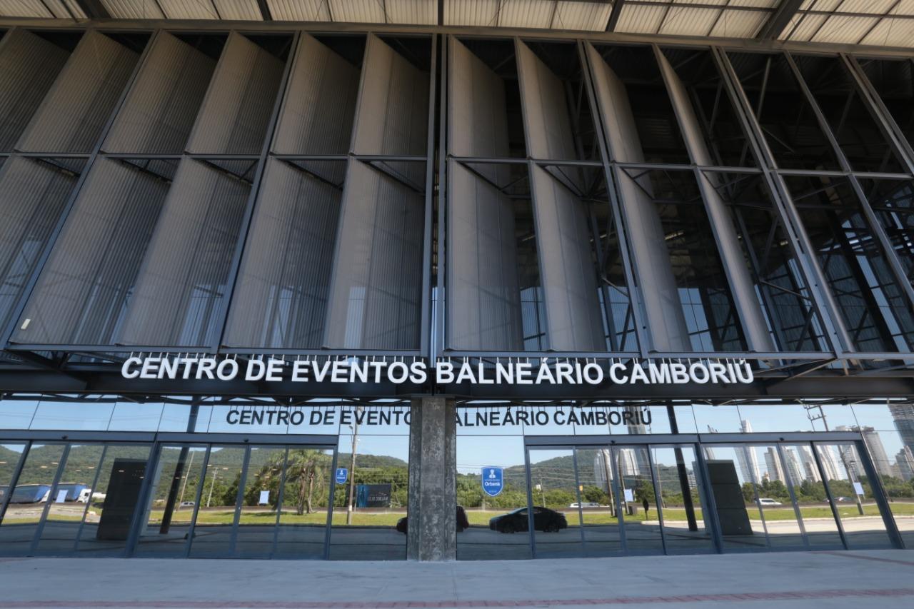 Centro de Eventos BC: Estado recebe proposta de consórcio de empresas interessadas na gestão do Centro de Eventos de Balneário Camboriú