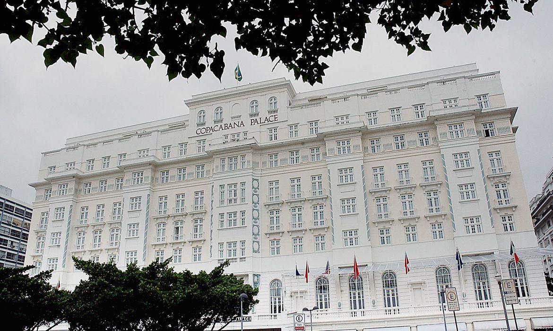 Mau Exemplo: Copacabana Palace é multado em R$ 15 mil por festa com aglomeração