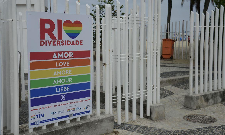 Orgulho LGBTI: Rio celebra mês de orgulho LGBTI+ com instalação de painéis na orla