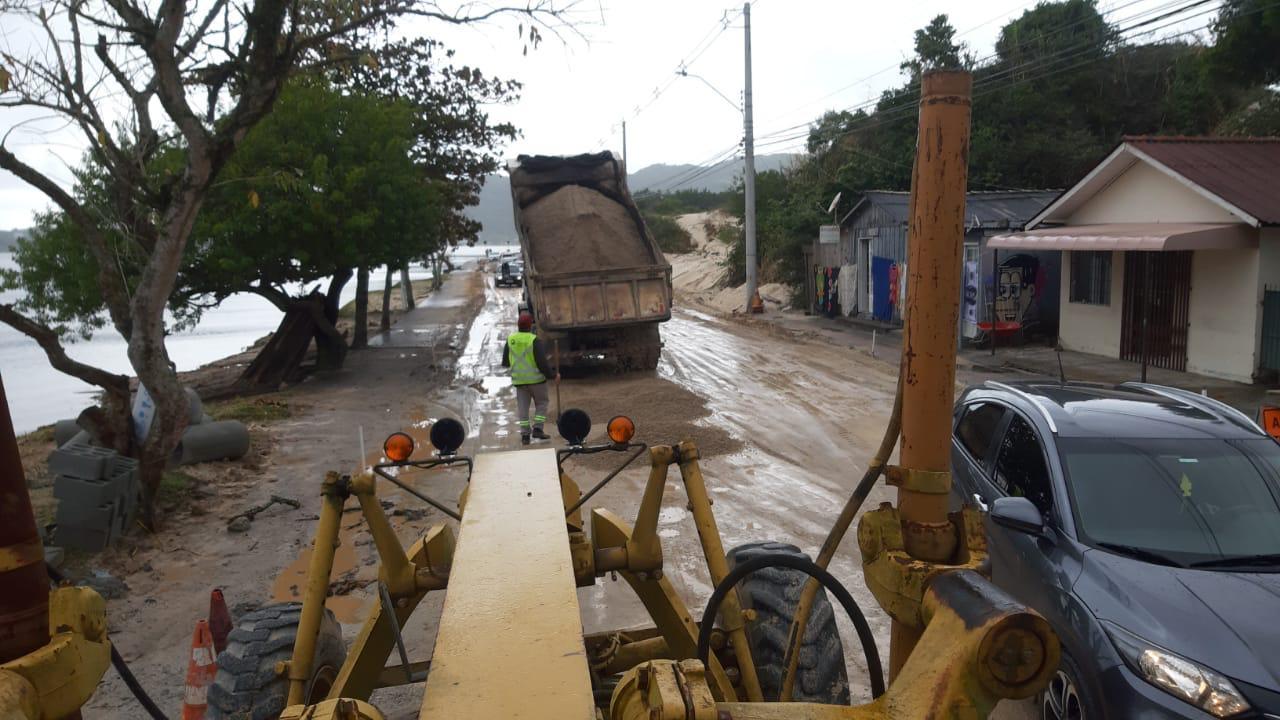Chuva Forte: Prefeitura de Florianópolis trabalha para minimizar impactos causados pelas chuvas